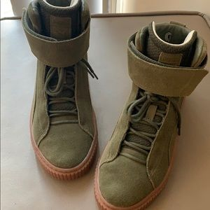 PUMA Women's Green Platform Mid Ow New w/out box